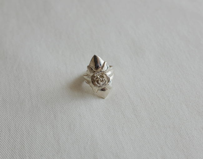 Rose Shield Ring