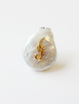 Baroque Pearl Point Brooch