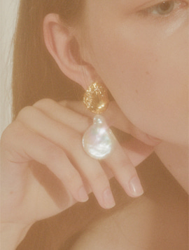 Tulip Water Drop Pearl Earring(2type)