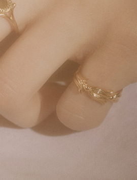 Flower Frame Mini Ring