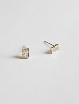 14k Gold Bezel Rectangle Earring