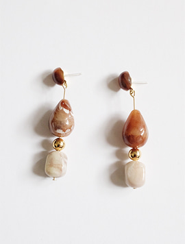 Long Pebble Set Earring